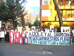 Protesta frente a Asocolflores